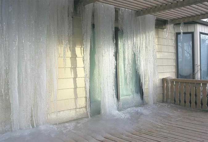 9 Disasterous Frozen And Burst Pipe Damage Pics A Guide