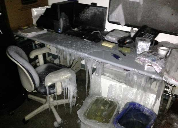 9 Disasterous Frozen and Burst Pipe Damage Pics - A Guide ...