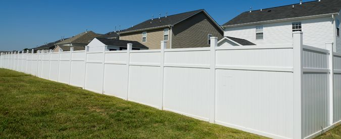 cost of a vinyl fence
